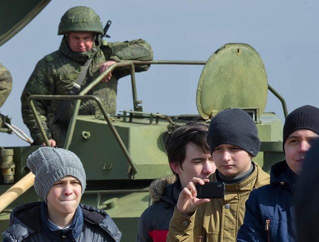 Призывники на территории одной из воинских частей в Москве