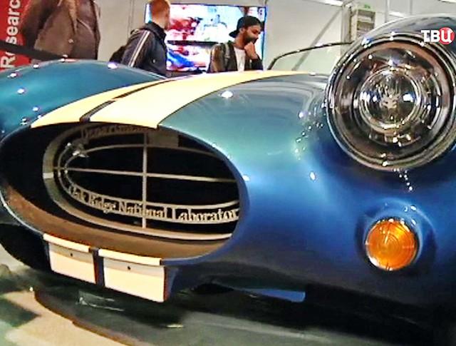 Автомобиль Shelby Cobra на выставке в Ганновере
