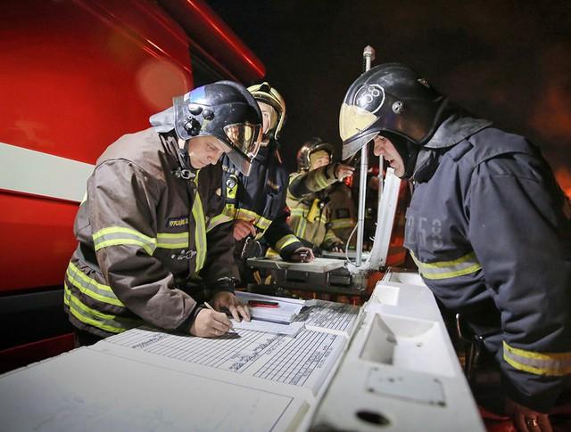 Пожарный штаб на месте возгорания