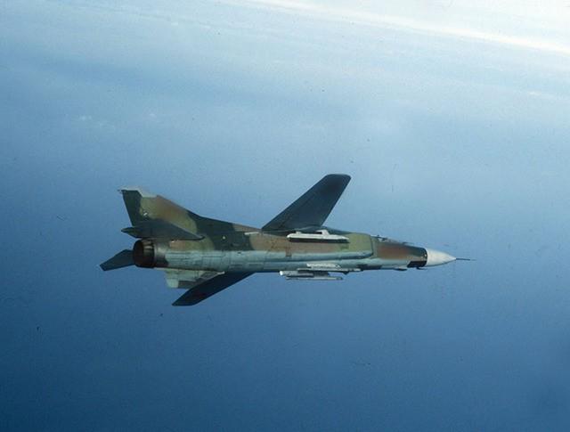 Истребитель МиГ-27