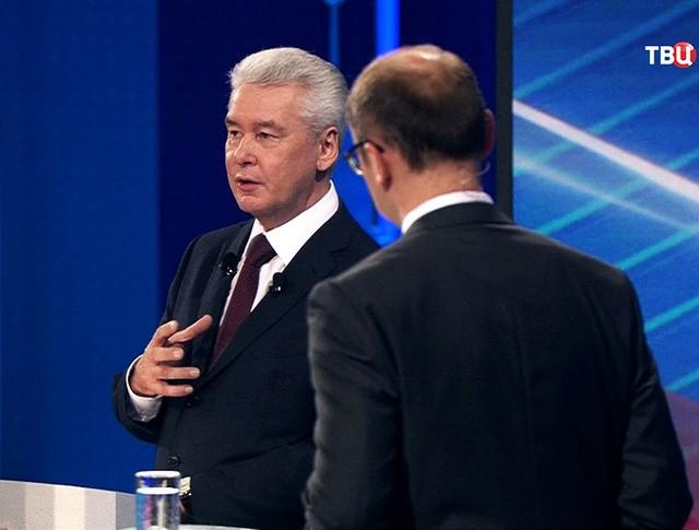 Мэр Москвы Сергей Собянин во время прямой линии