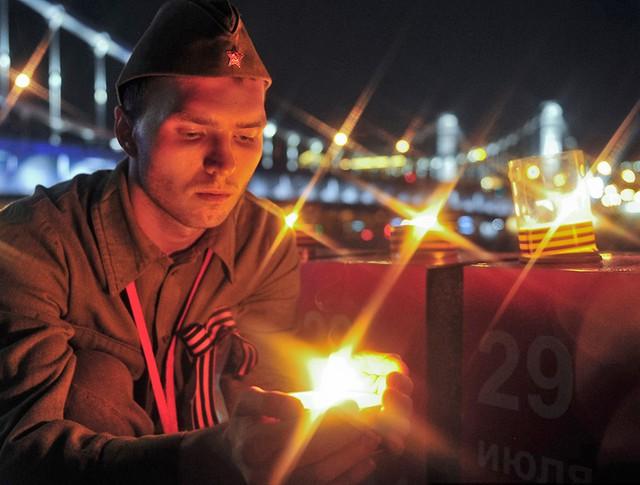 """Акция """"Линия памяти"""" на Крымской набережной"""