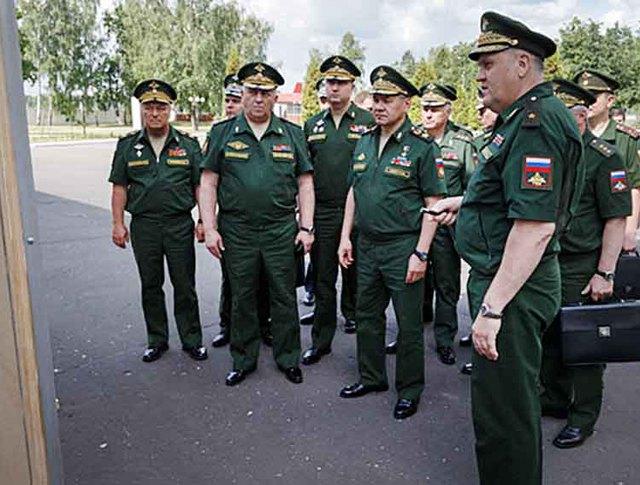 Министр обороны России Сергей Шойгу посетил Военную академию РВСН в подмосковной Балашихе