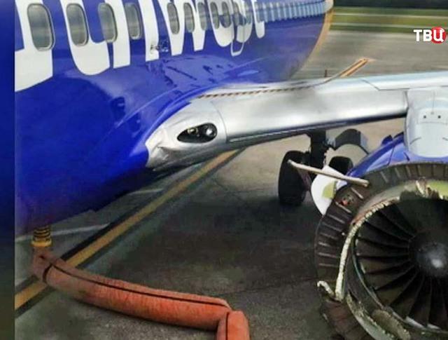 Boeing с поврежденным двигателем