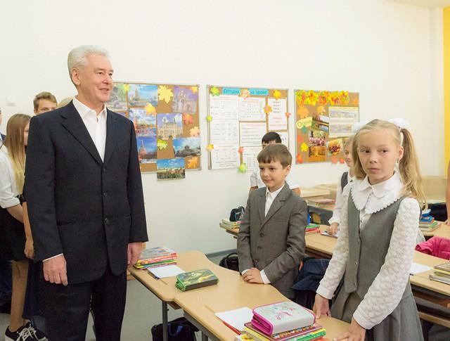 Сергей Собянин посетил школу