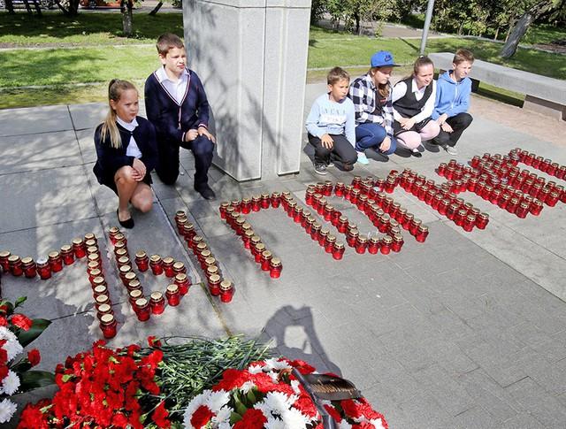 Траурные мероприятия в память о жертвах теракта на Дубровке