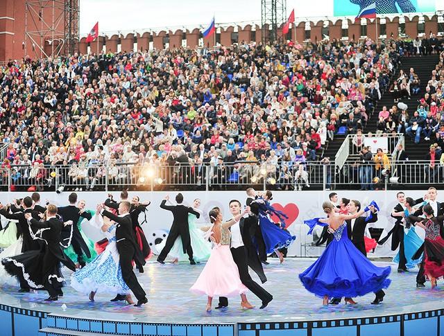 Праздничные мероприятия ко Дню города посетили 10 млн человек