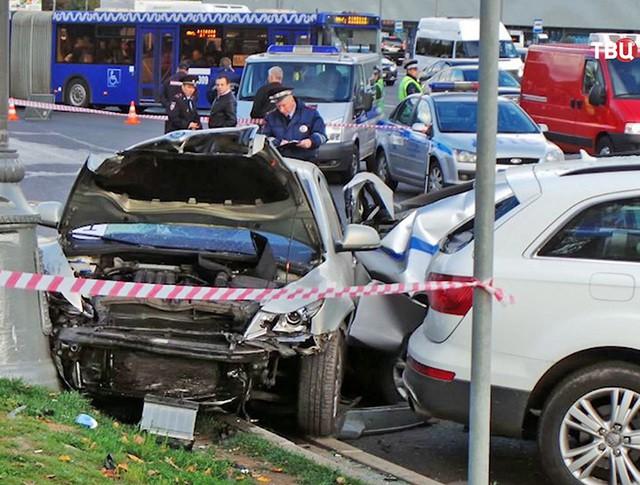 ДТП на Кутузовском проспекте с участием машины полиции