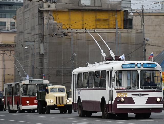 Колонна ретро-троллейбусов