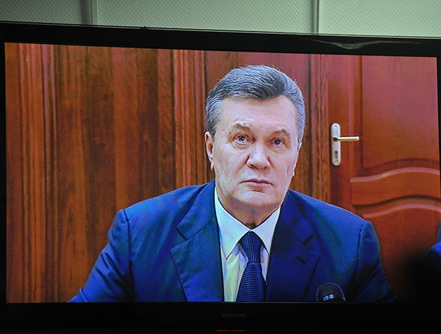 Бывший президент Украины Виктор Янукович во время дачи показаний по видеосвязи в качестве свидетеля по делу о беспорядках в Киеве в феврале 2014 года