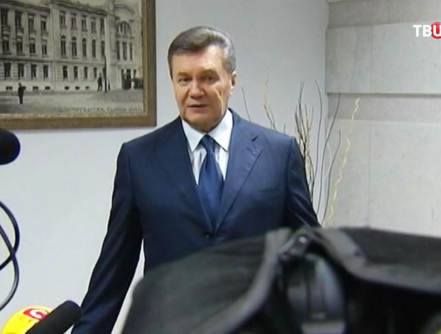 Экс-президент Украины Виктор Янукович во время общения с прессой