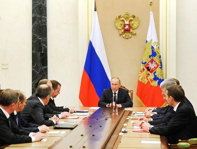 Президент России Владимир Путин провел совещание с членами Совбеза