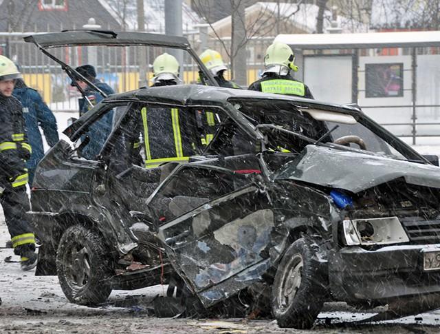 Последствия ДТП с участием двух автомобилей на Ярославском шоссе
