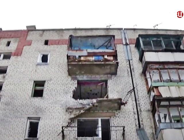 Последствия обстрела жилых районов Донбасса