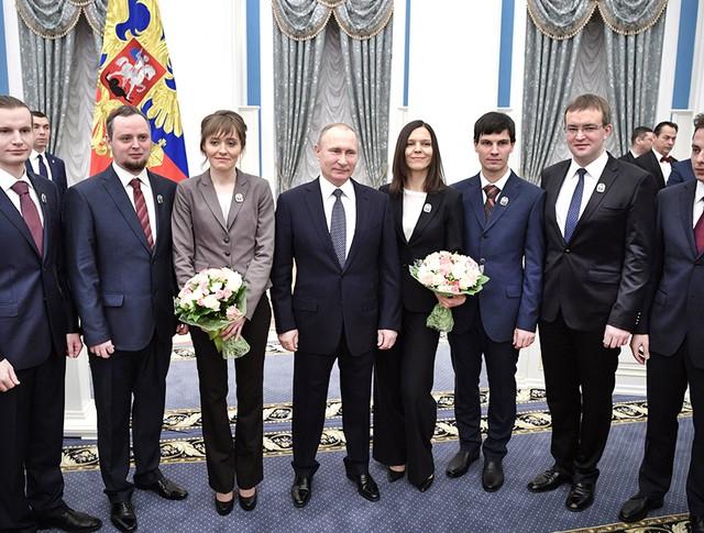 Президент Владимир Путин и молодые ученые