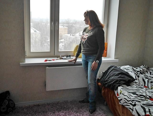 Переехавшие в новую квартиру, жильцы пятиэтажки