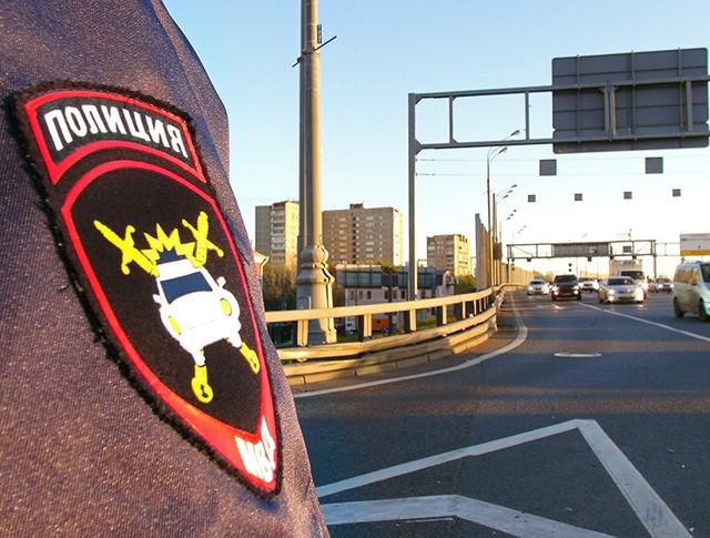 Инспектор ДПС на трассе