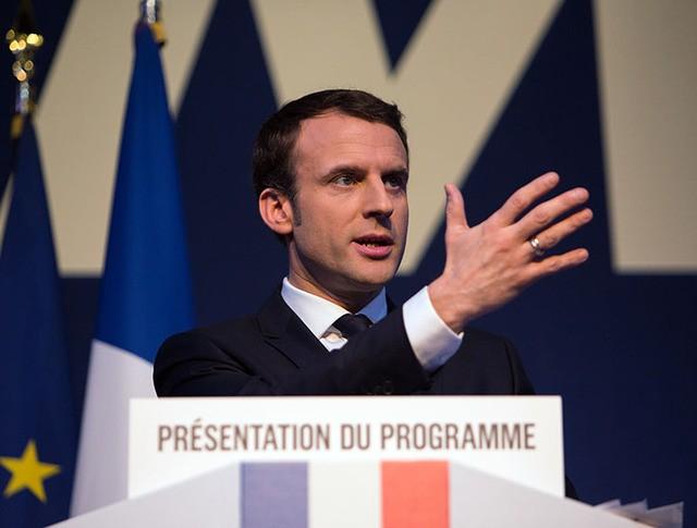 """Кандидат в президенты Франции, лидер движения """"En Marche"""" Эммануэль Макрон"""