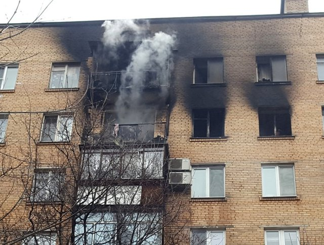 На месте возгорания в жилом доме