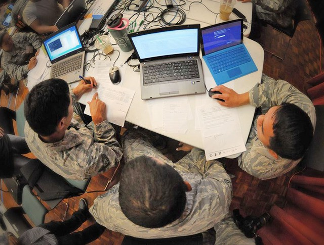 Военнослужащие кибер-центра Центрального командования США