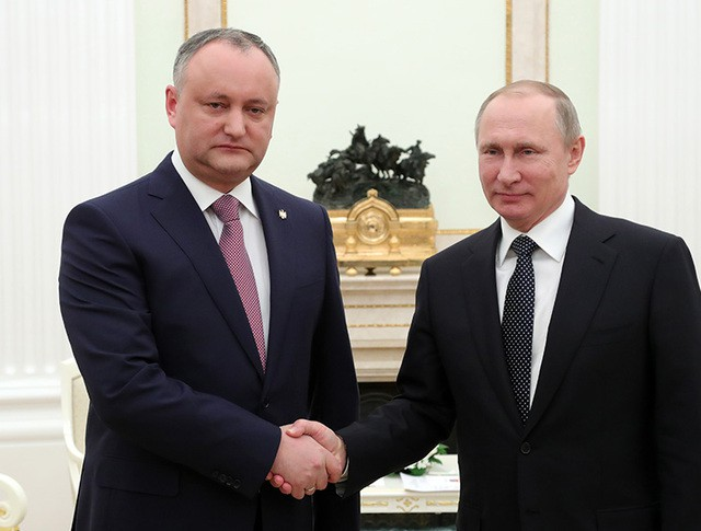 Президент России Владимир Путин и президент Республики Молдова Игорь Додон