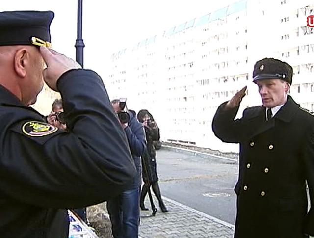 Военнослужащим выдают ключи от квартиры