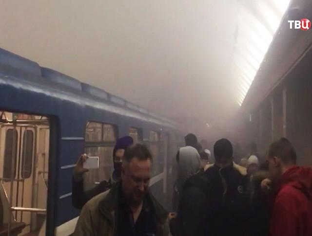 """Задымление станции метро """"Сенная площадь"""""""