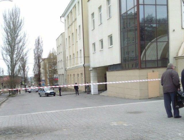Место оцепление возле школы в Ростове-на-Дону