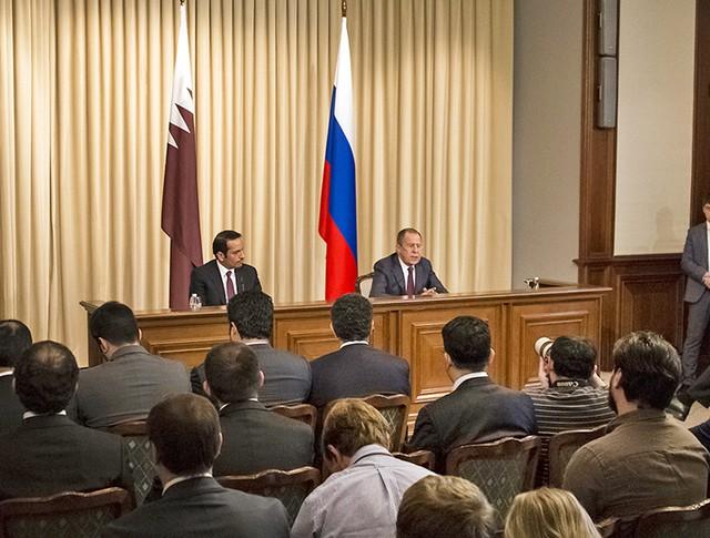 Глава МИД России Сергей Лавров и министр иностранных дел Кара Мухаммед Рахман Аль Тани