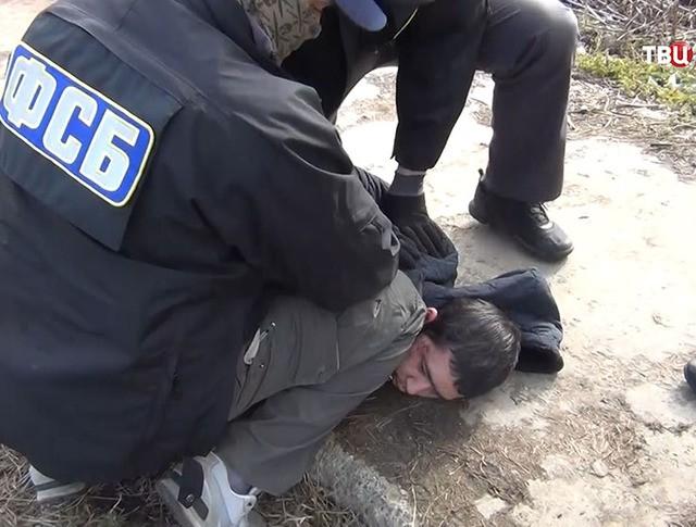 Задержание сотрудниками ФСБ предполагаемого организатора теракта в метро Санкт-Петербурга Аброра Азимова