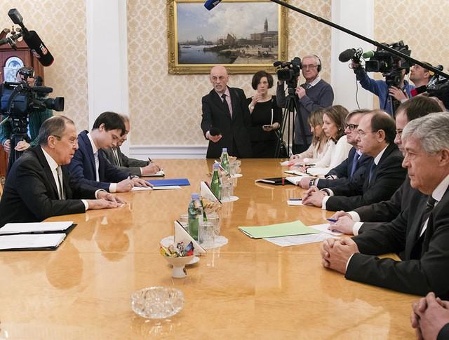 Глава МИД Сергей Лавров и председатель Сената Генеральных кортесов Испании Пио Гарсией-Эскудеро