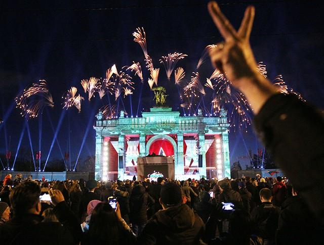 Салют в Москве в честь Дня Победы