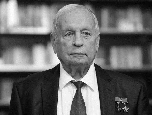 Космонавт Виктор Горбатко