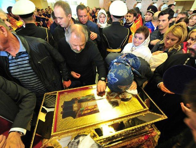 Встреча ковчега с мощами святителя Николая Чудотворца