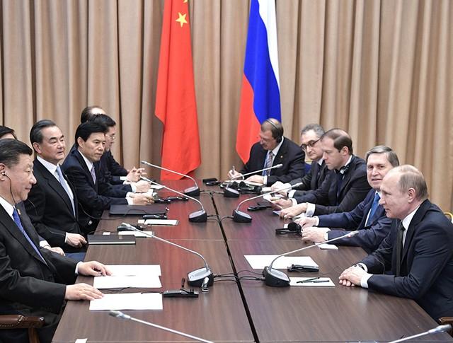 Владимир Путин на встрече с главой КНР Си Цзиньпином