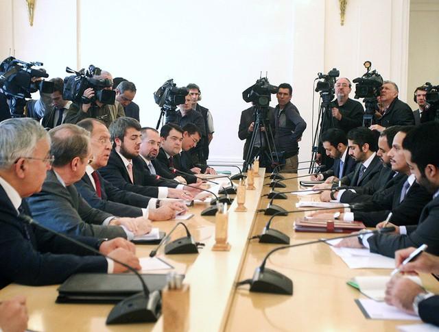 Глава МИД России Сергей Лавров и министр иностранных дел Катара Мухаммед Рахман Аль Тани