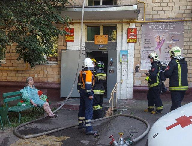 Ликвидация пожара в жилом доме на юге Москвы