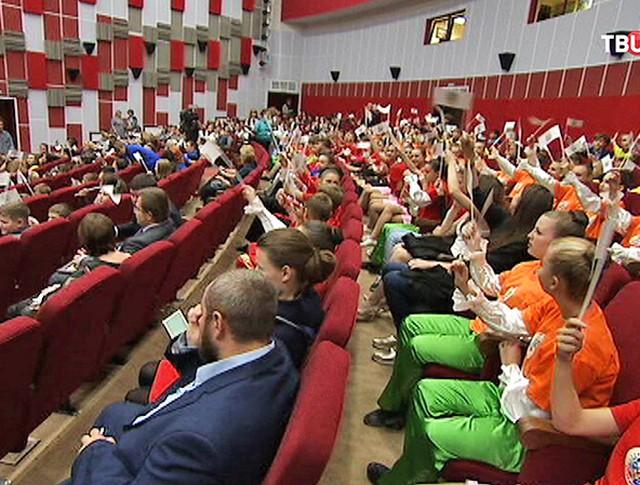 """Благотворительная акция """"Дети России - детям Донбасса"""""""
