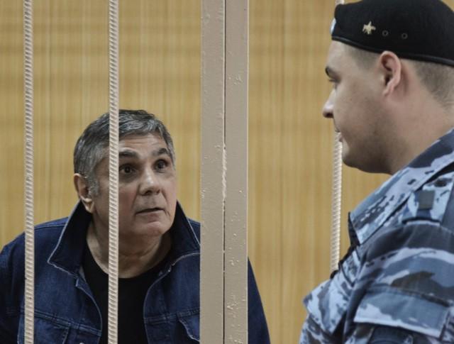 Обвиняемый по делу о вымогательстве по кличке Шакро Молодой в Тверском суде