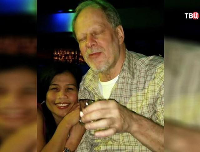 Стрелок из Лас-Вегаса Стивен Пэддок с подругой