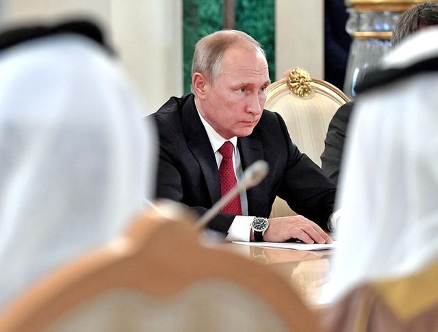 Президент России Владимир Путин во время российско-саудовских переговорах
