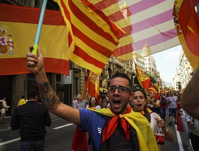 Митингующие в Испании
