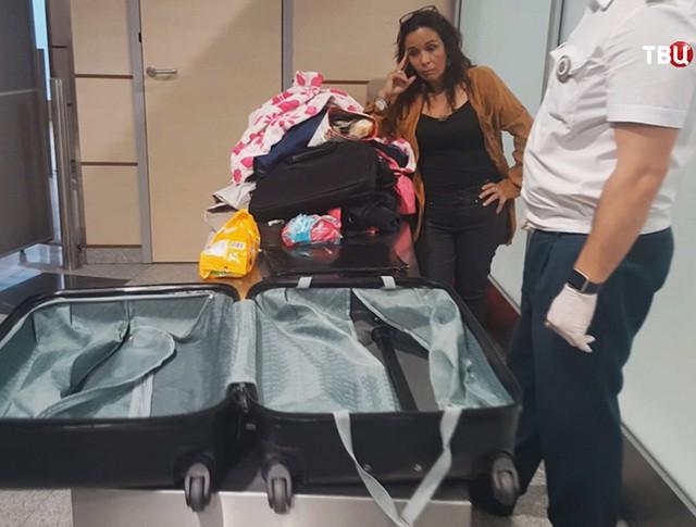 """Задержанная колумбийка в аэропорту """"Домодедово"""""""