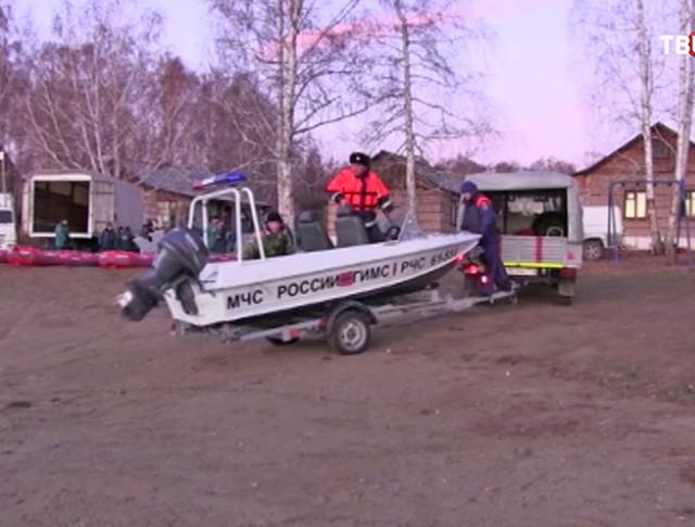 Поиски людей после ЧП на озере под Челябинском