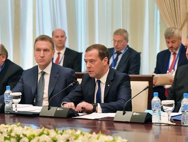 Дмитрий Медведев на Российско-узбекистанских переговорах