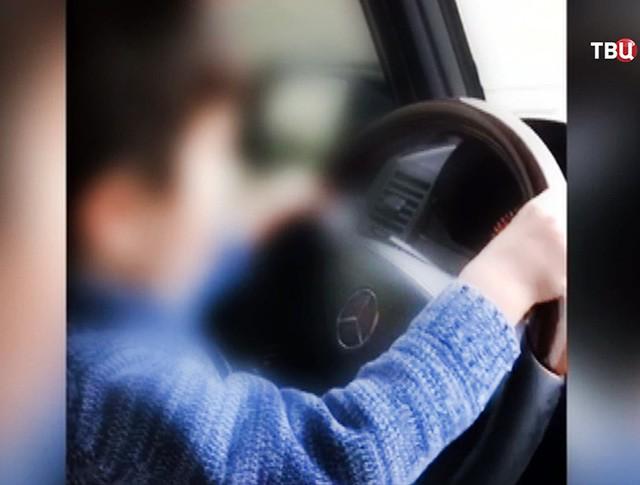 4-летний водитель на МКАД