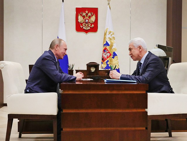 Президент России Владимир Путин и врио главы Республики Дагестан Владимир Васильев