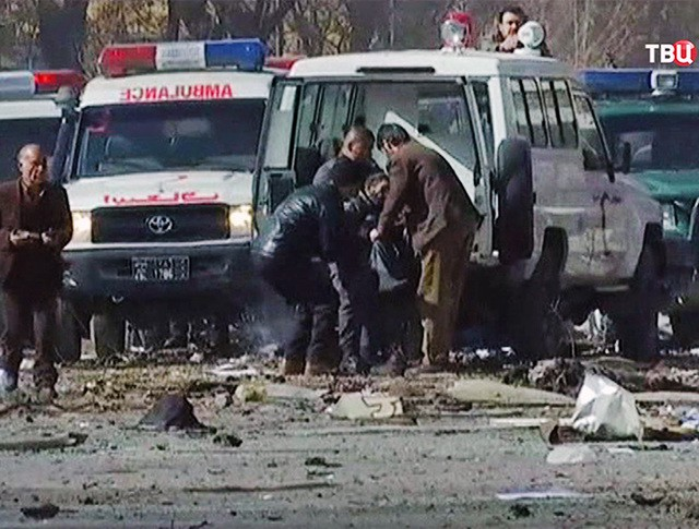 Скорая помощь в Афганистане на месте взрыва