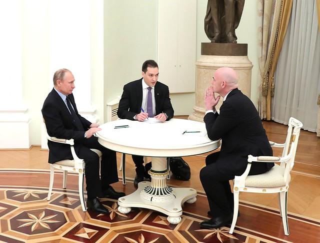 Президент России Владимир Путин и глава Международной федерации футбола Джанни Инфантино