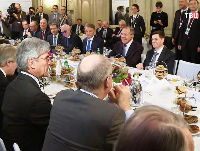 Глава МИД России Сергей Лавров на встрече с Зигмаром Габриэлем и представителями бизнеса ФРГ